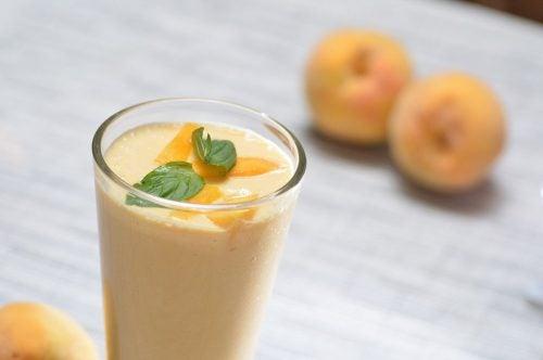 Durazno con leche de soja y germen de trigo para la fatiga