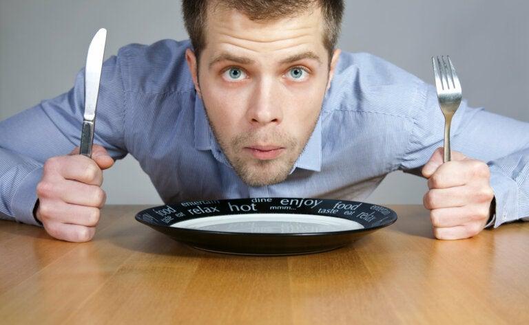 ¿Qué provoca más hambre después de comer?