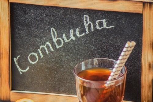 Todo lo que deberías saber sobre la kombucha