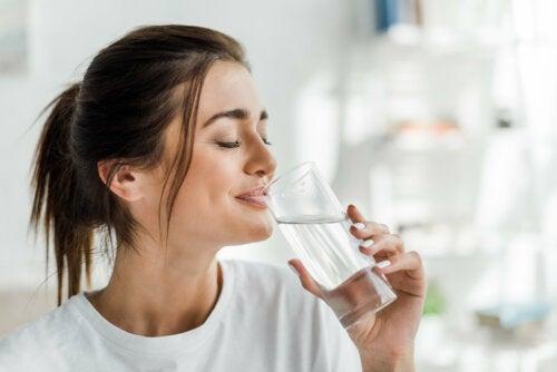 7 rutinas simples para acelerar tu metabolismo por las mañanas