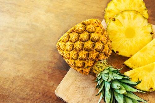 5 beneficios de comer piña