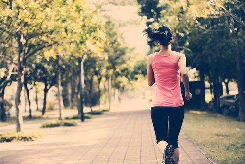 5 trucos para mantenerte en forma aunque tengas poco tiempo