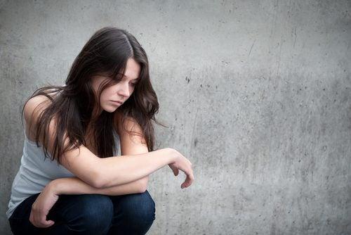 Cómo detectar la depresión en un ser querido Cambia-de-humor-continuamente-500x334