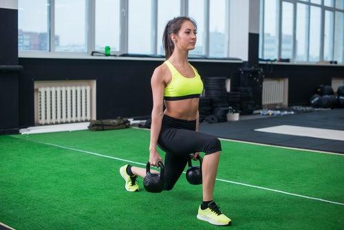 Diferentes ejercicios de glúteos y piernas