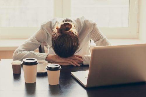 Consejos que te ayudarán a reducir el estrés laboral