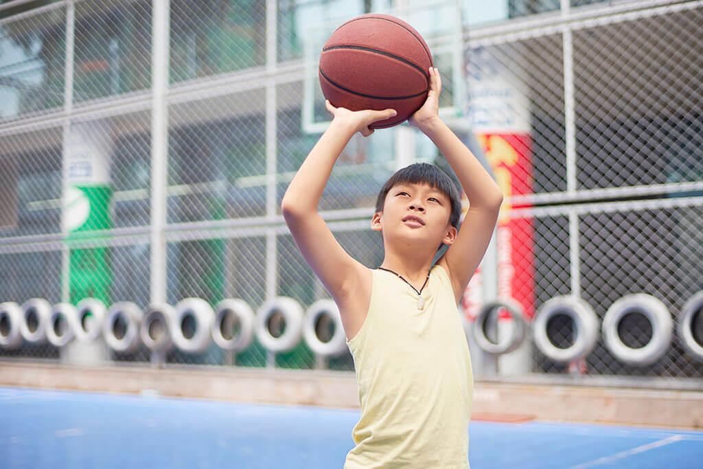 Los niños que hacen un solo deporte pueden tener más lesiones