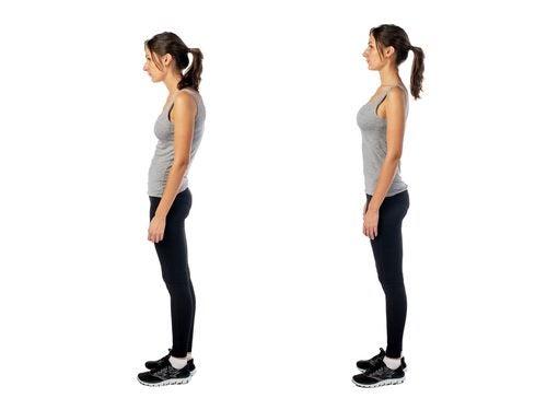 Imagen de perfil de una mujer de pie en una postura correcta y en una postura incorrecta
