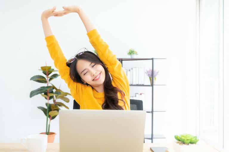 5 recomendaciones para mejorar tu postura y aliviar el dolor de espalda