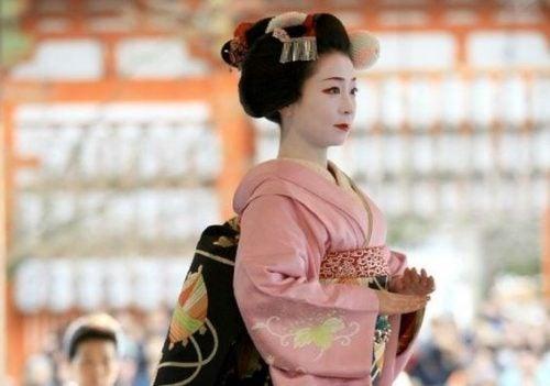 Geisha representando la sabiduría de Japón