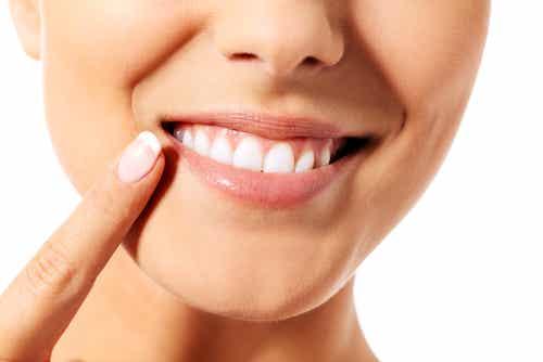 9 tips para cuidar la dentadura de manera efectiva y natural