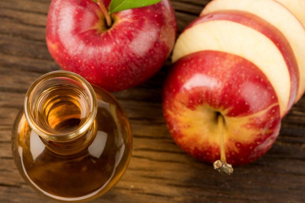 Cómo debo tomar el vinagre de manzana