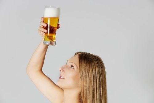 Cerveza para el cabello seco