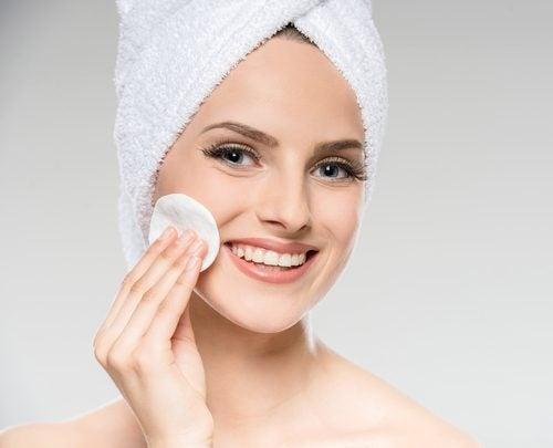 Por qué es importante la limpieza facial