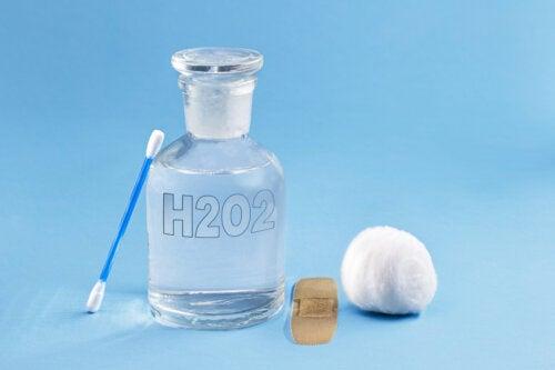 Usos del agua oxigenada en tratamientos de belleza