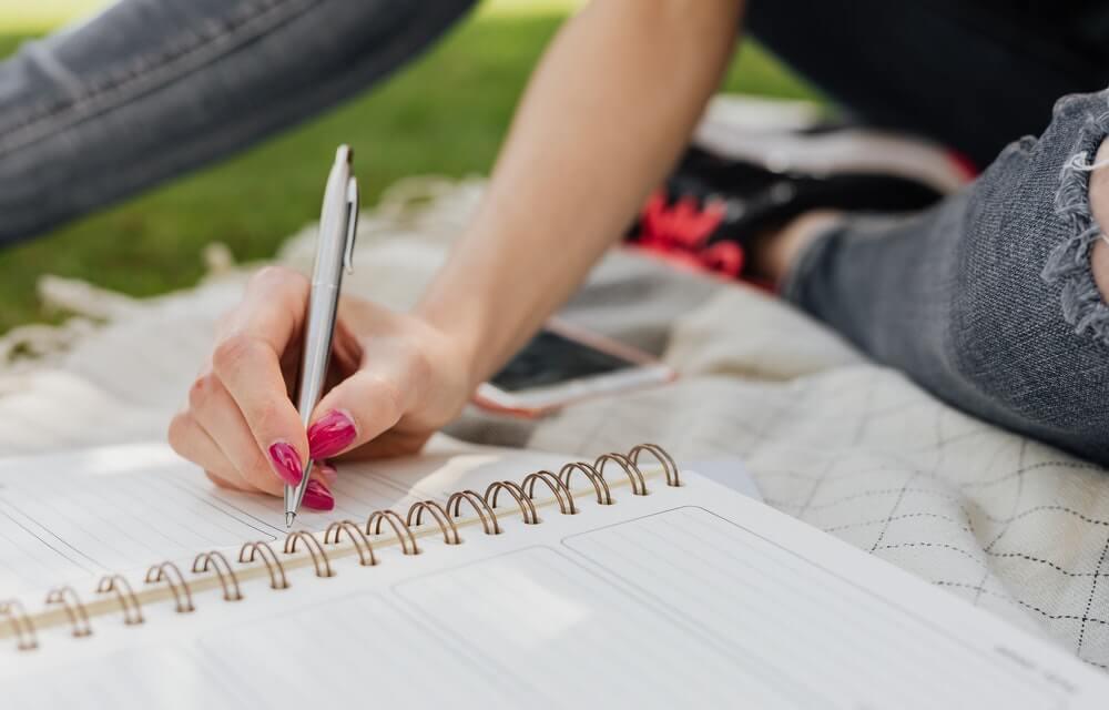 Escribir lettering para la creatividad.