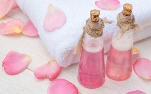 recetas con agua de rosas para la grasa de tu cutis