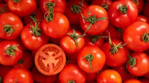 Frutas y semillas para la salud: tomates