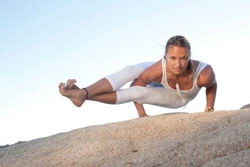 poses de yoga para perder peso