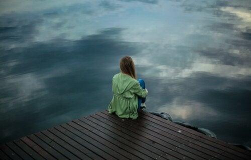Aferrarse a alguien es más doloroso que dejarlo ir