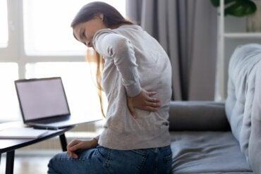6 posturas para aliviar el dolor de espalda