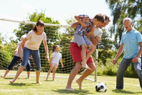 5 ejercicios para realizar en familia y fortalecer la unión