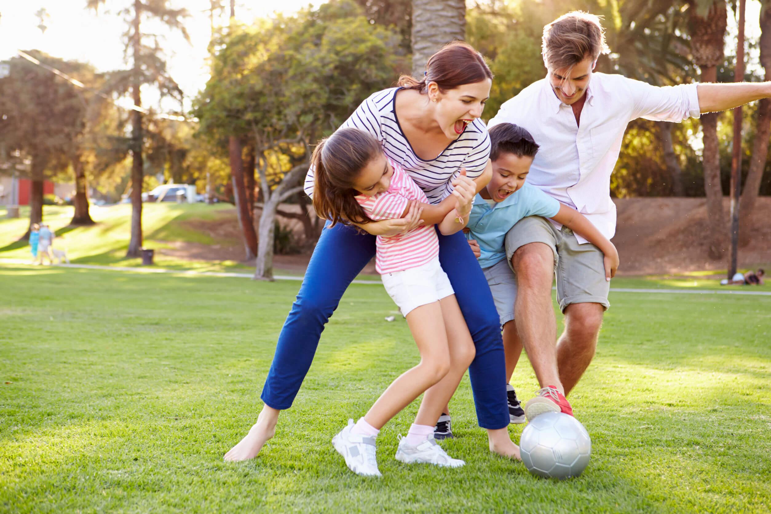 Los ejercicios para realizar en familia favorecen la unión y la comunicación.