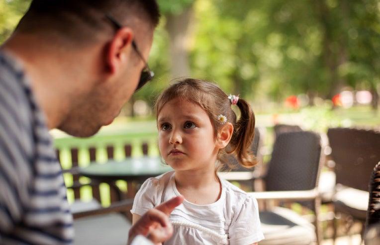 Tus hijos no tienen por qué ser el blanco de tus frustraciones