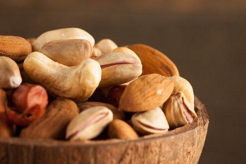 ¿Por qué debemos poner los frutos secos y las semillas en remojo?