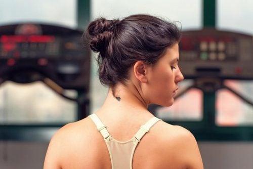 6 consejos que ayudarán a mantener la piel de tu cuello joven y lisa