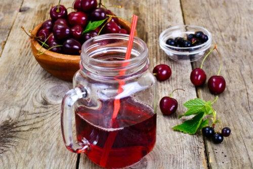6 formas de reducir los niveles de ácido úrico con ingredientes naturales