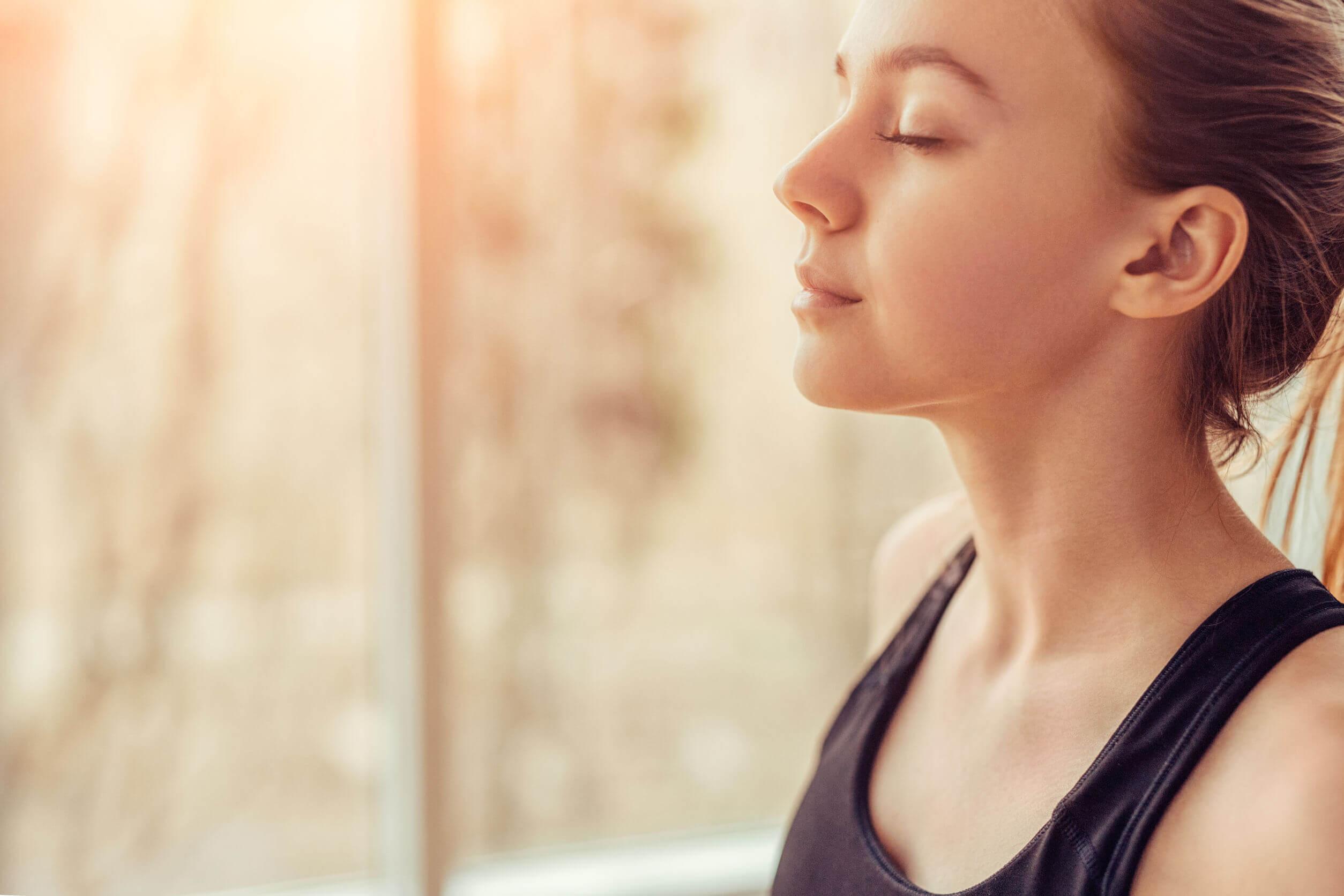 Respirar antes de hacer los ejercicios puede aliviar el dolor de espalda.