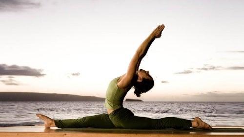"""¿Sabías que cuando practicas yoga quemas calorías"""""""