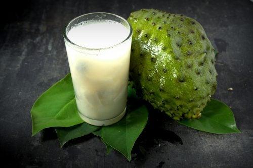 10 beneficios de consumir jugo de guanábana