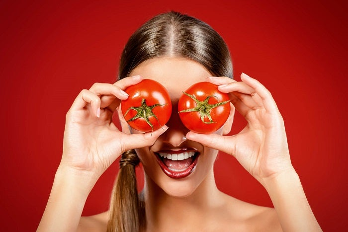 Exfoliantes-caseros-con-tomate-y-yogur