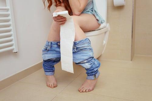 Mujer con diarrea