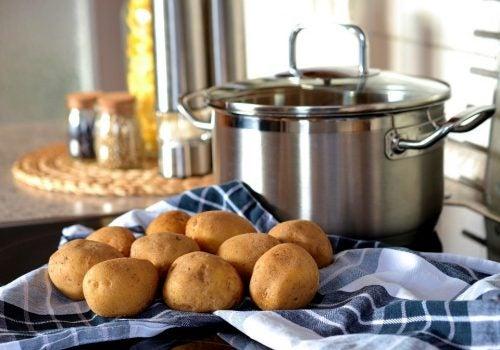 Descubre cómo preparar 4 antiácidos caseros