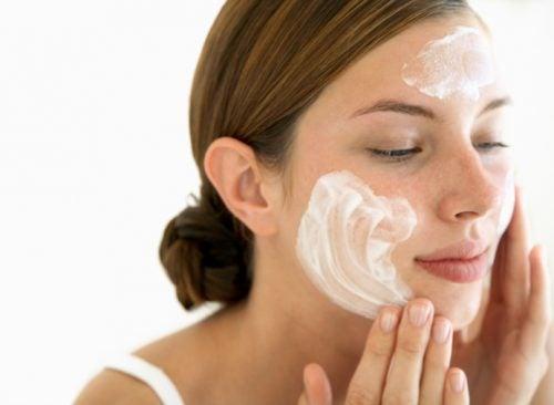 Cómo aplicarte el jabón de perejil