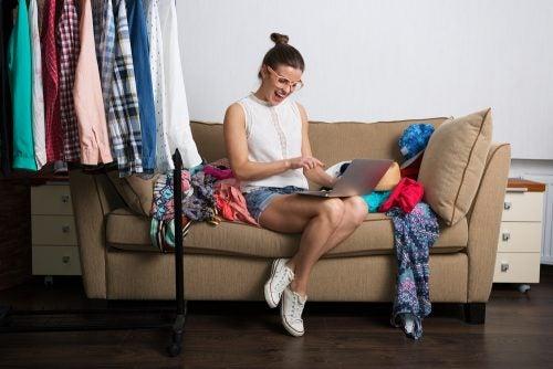 Los compradores compulsivos pueden llegar a endeudarse con sus compras por internet