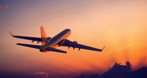 Trucos para aquellos que no pueden quedarse dormidos en un avión: los martes y miércoles irás más cómodo