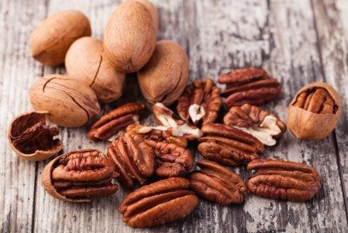 Nueces para aliviar la acidez estomacal