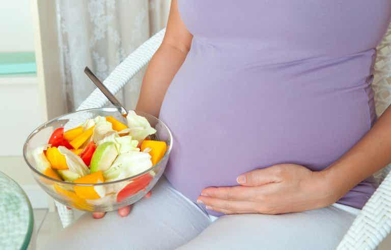 Cómo hacer una dieta para los primeros meses de embarazo