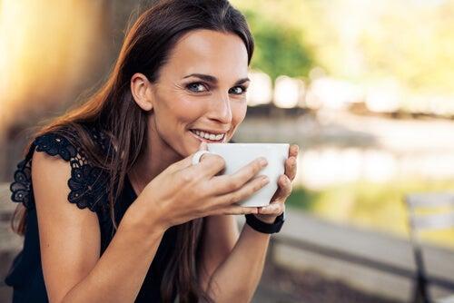 Qué cantidad de café se puede tomar cada día