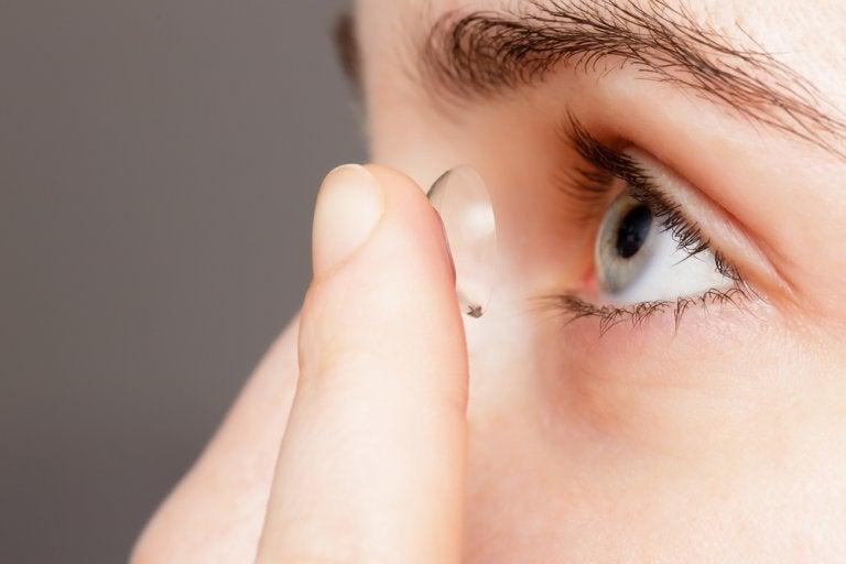Consejos para utilizar las lentes de contacto blandas