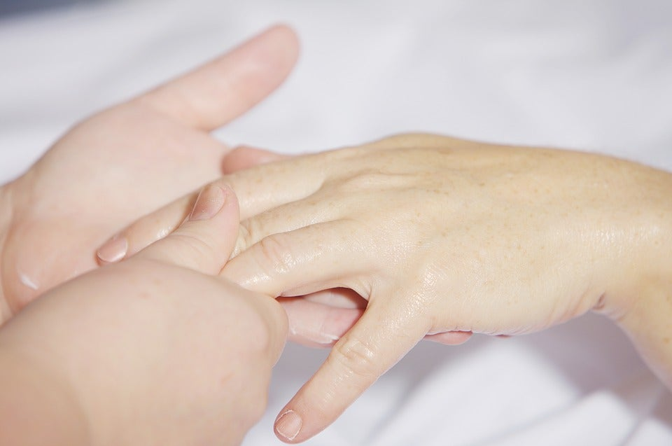masaje-en-manos