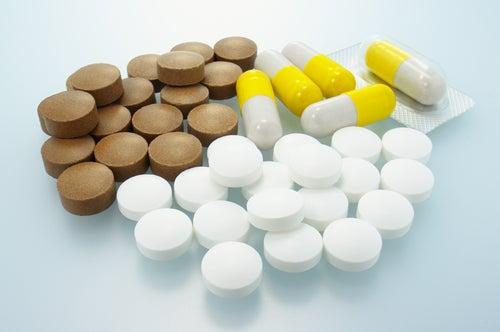 Terapia triple para el tratamiento de la hepatitis c