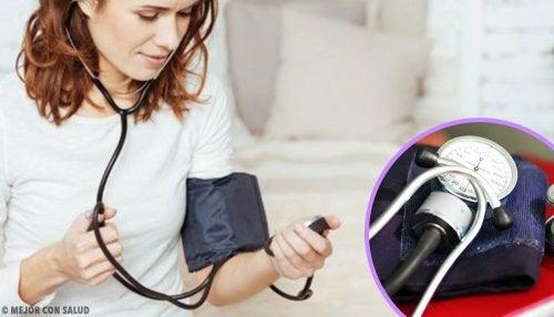 ¿Qué como para la presión arterial baja?