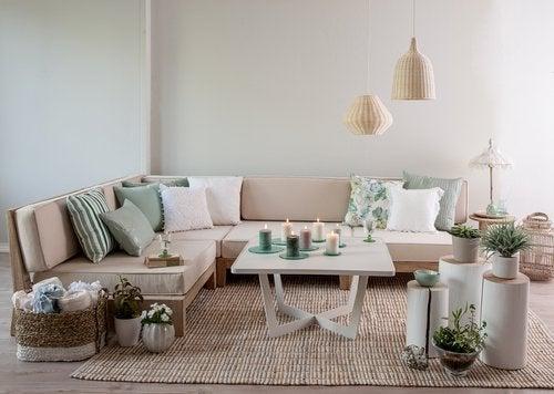 Aprende a decorar un salón al estilo vintage.