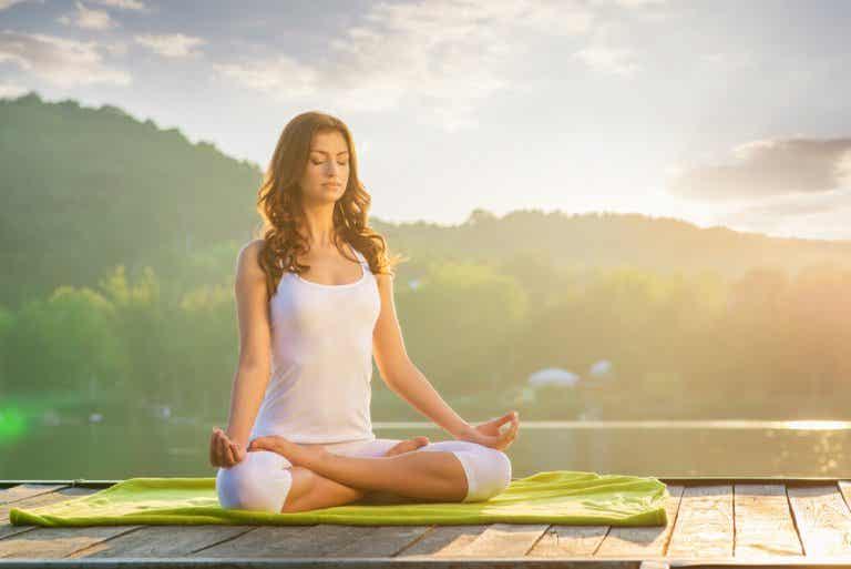 Beneficios del yoga para evitar el envejecimiento celular