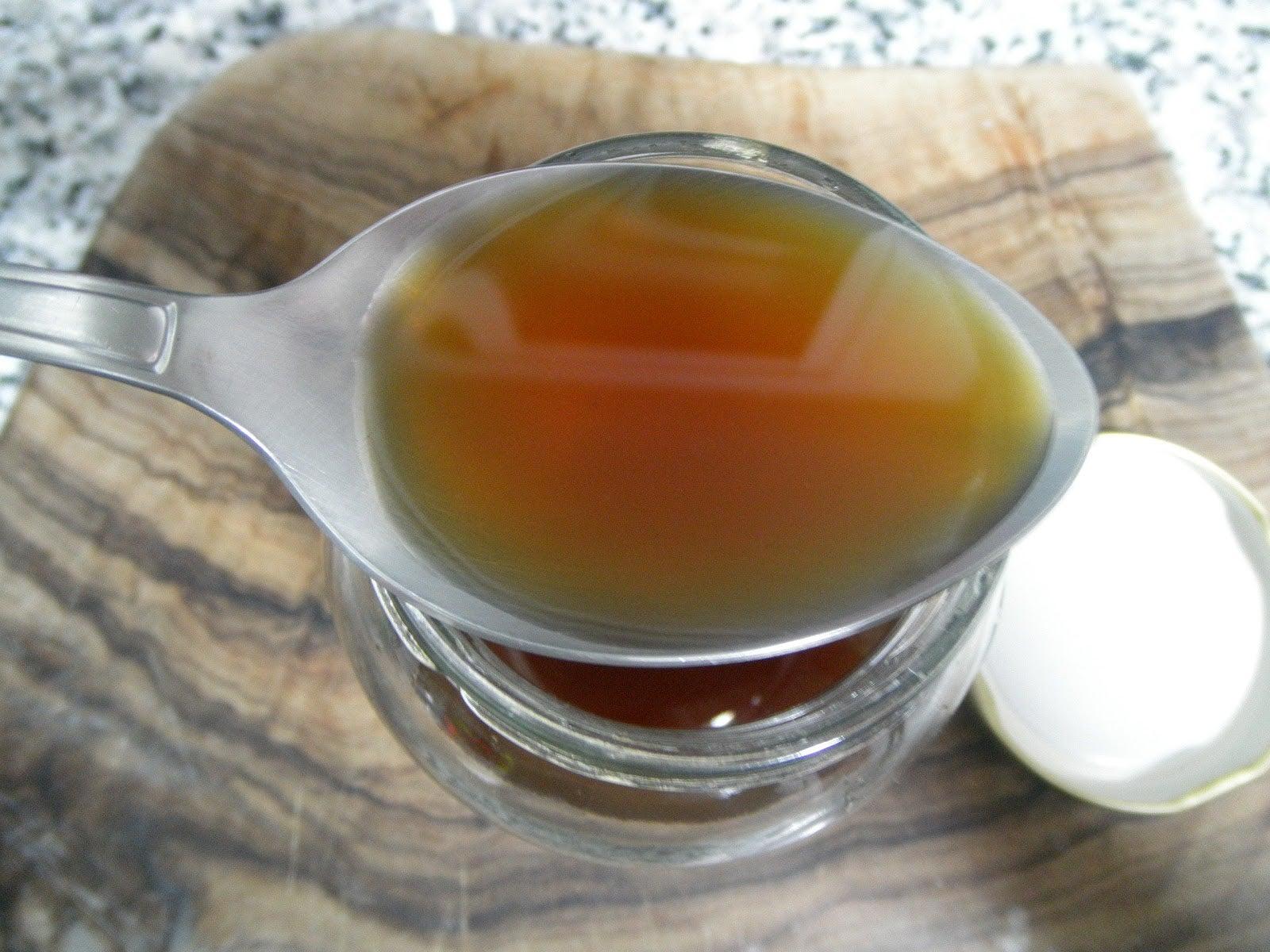 Cómo preparar este jarabe casero de tomillo y regaliz