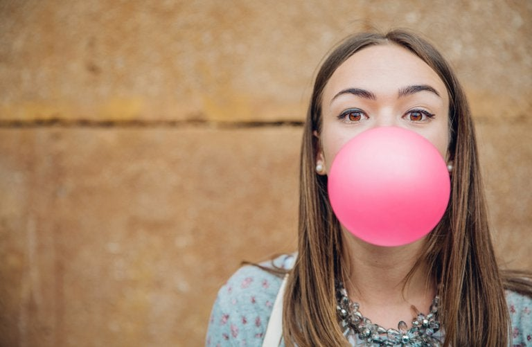 Goma de mascar: ¿beneficiosa o perjudicial?